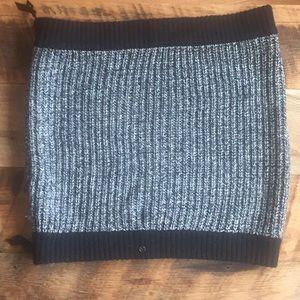 Lululemon Marled Merino Wool Zip Scarf